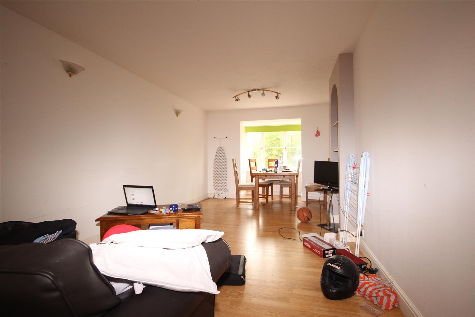 1 Bedroom Flat for sale in Kingfisher Way, London